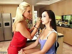 Fair-haired oriental Grainy gets her slit touched wits Katsuni